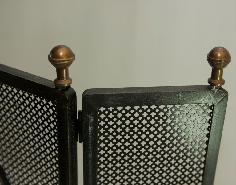 alter kaminschutz funkenschutzgitter funkengitter. Black Bedroom Furniture Sets. Home Design Ideas