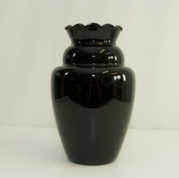 grand vase verre opaline noir souffl la bouche vintage. Black Bedroom Furniture Sets. Home Design Ideas