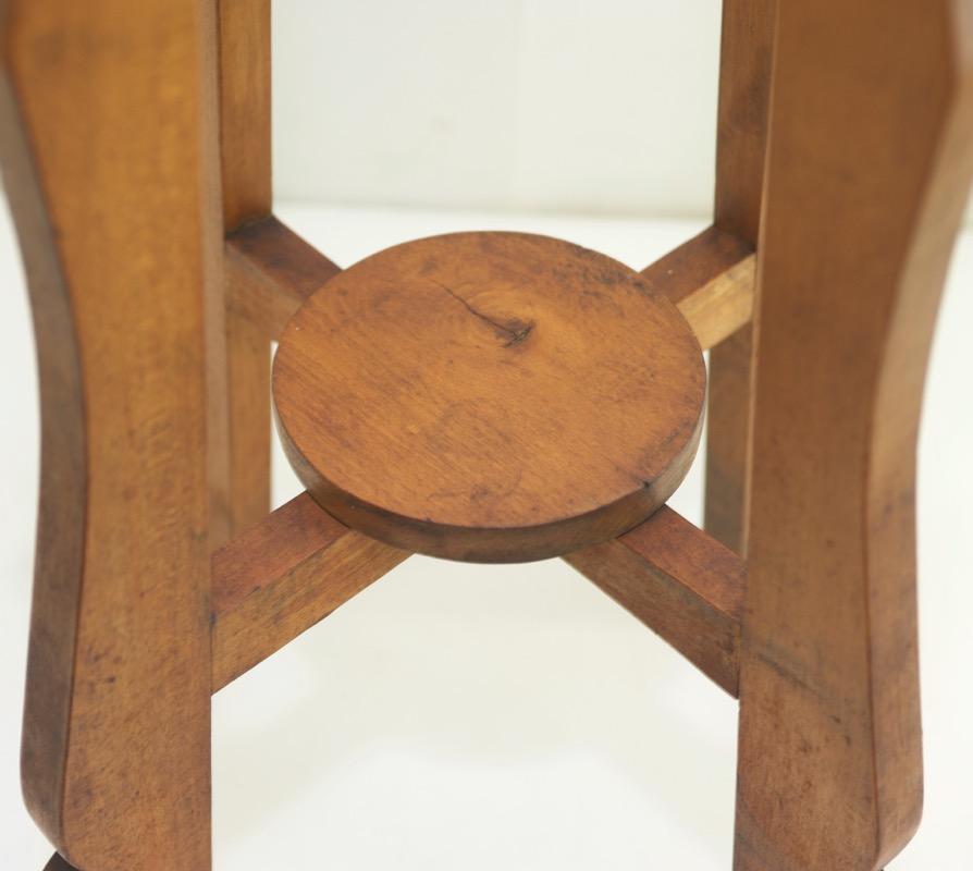 jugendstil beistelltisch blumenst nder holz blumentisch blumenhocker antik tisch. Black Bedroom Furniture Sets. Home Design Ideas