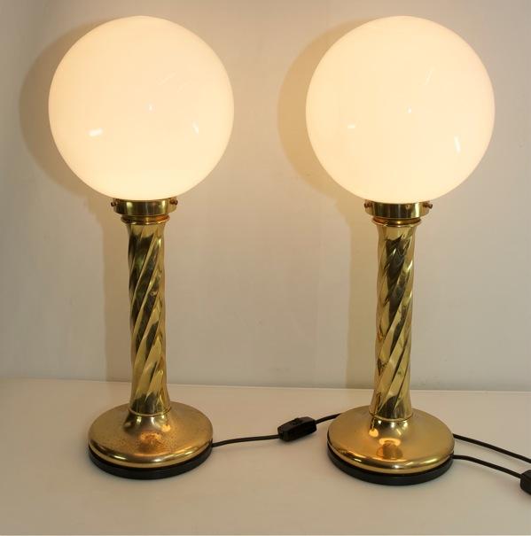 1 paar gro e tischlampen messing kugellampe lampe glaskugel vintage tischleuchte ebay. Black Bedroom Furniture Sets. Home Design Ideas