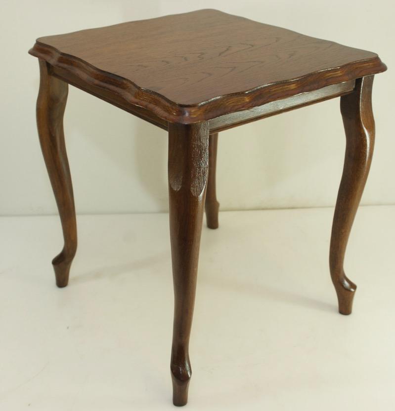 Elurra, mesa en madera de roble y metal de estilo